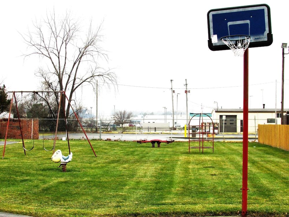 Children's Play Area - Outdoor, Euclid Motel