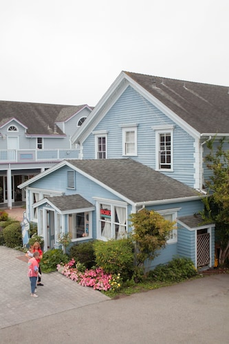 Great Place to stay Zaballa House near Half Moon Bay