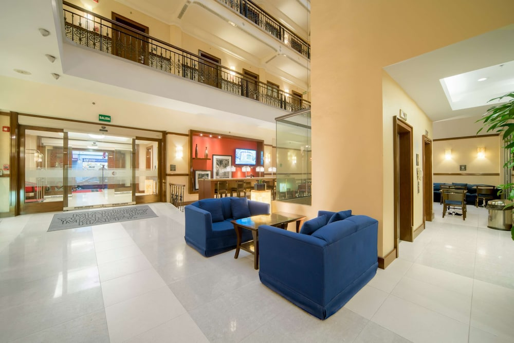 Lobby, Hampton Inn & Suites Mexico City - Centro Historico