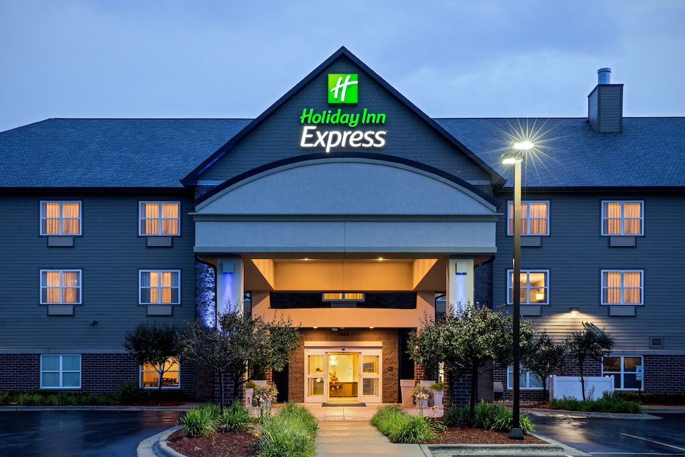 Exterior, Holiday Inn Express & Suites Green Bay East