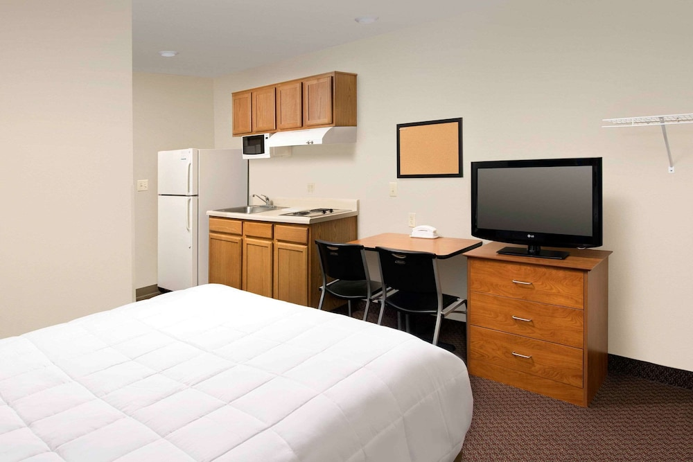 Room, WoodSpring Suites San Antonio North Live Oak I-35
