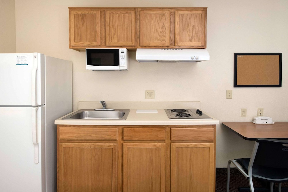 Private Kitchenette, WoodSpring Suites San Antonio North Live Oak I-35