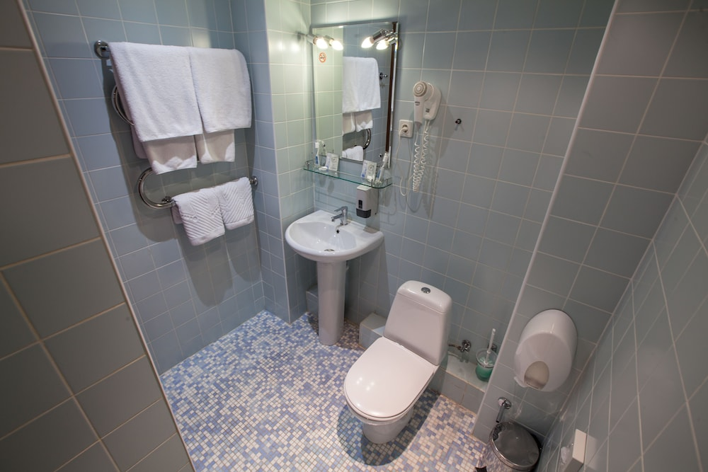 Bathroom, Marmara Hotel