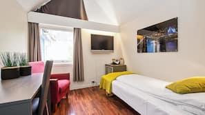 Premium bedding, minibar, desk, laptop workspace