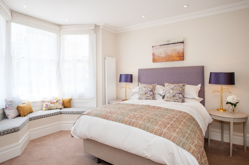 the charm brighton boutique hotel reviews photos. Black Bedroom Furniture Sets. Home Design Ideas