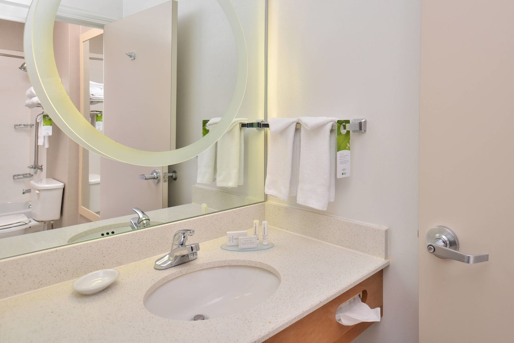 Bathroom, SpringHill Suites by Marriott Roseville