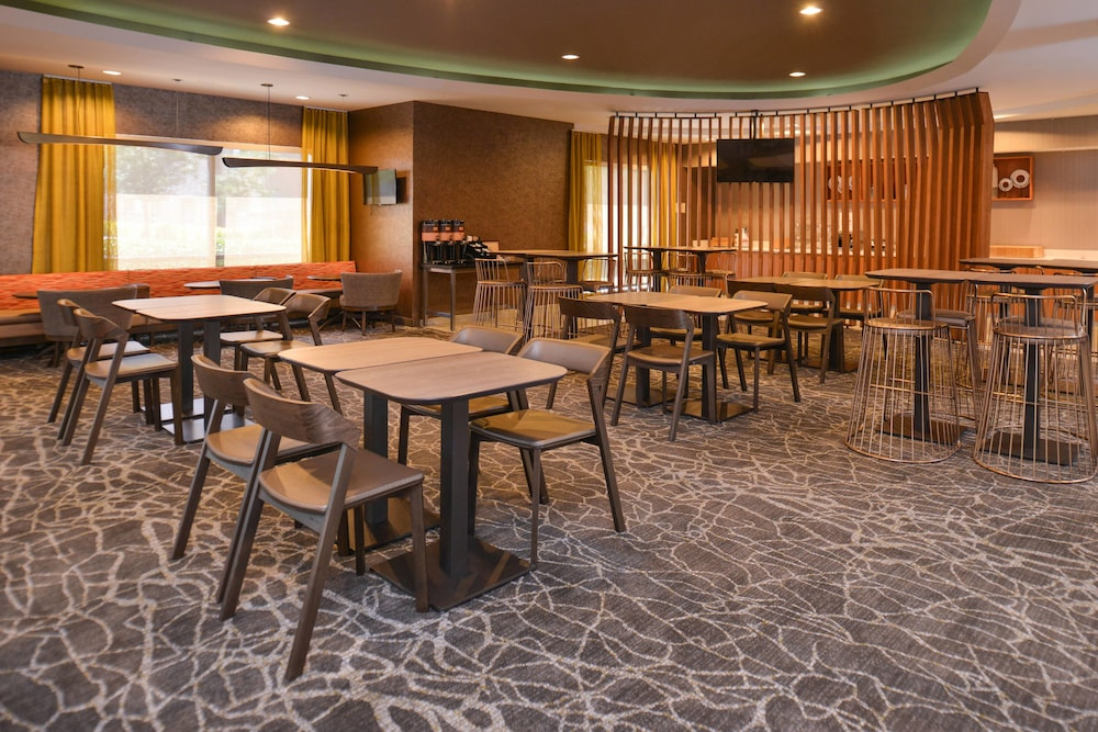 Breakfast Area, SpringHill Suites by Marriott Roseville