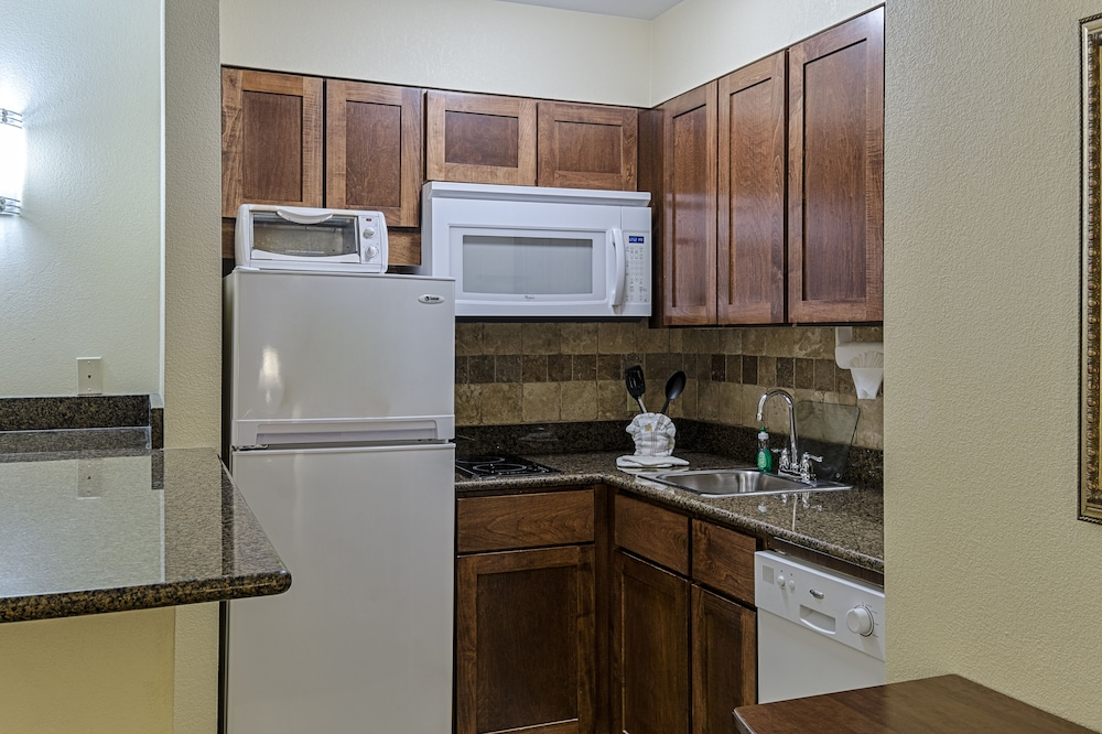 Private Kitchen, Staybridge Suites Harrisburg