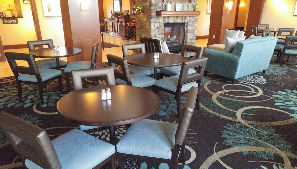 Lobby Sitting Area, Staybridge Suites Harrisburg