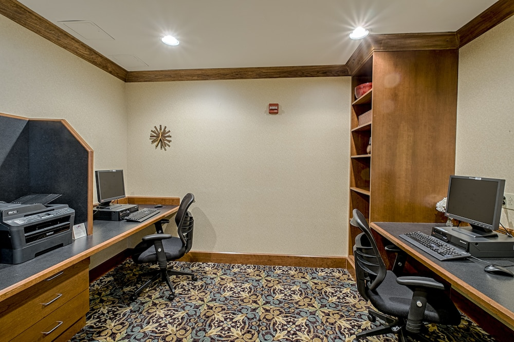 Business Center, Staybridge Suites Harrisburg