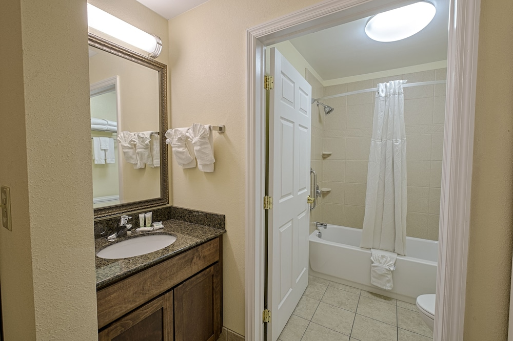 Bathroom, Staybridge Suites Harrisburg