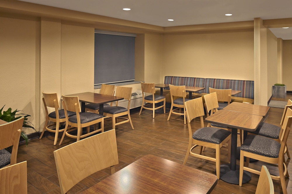 Restaurant, TownePlace Suites by Marriott Albany Downtown/Medical Center