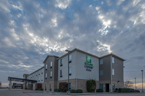 Holiday Inn Express & Suites N Waco Area - West