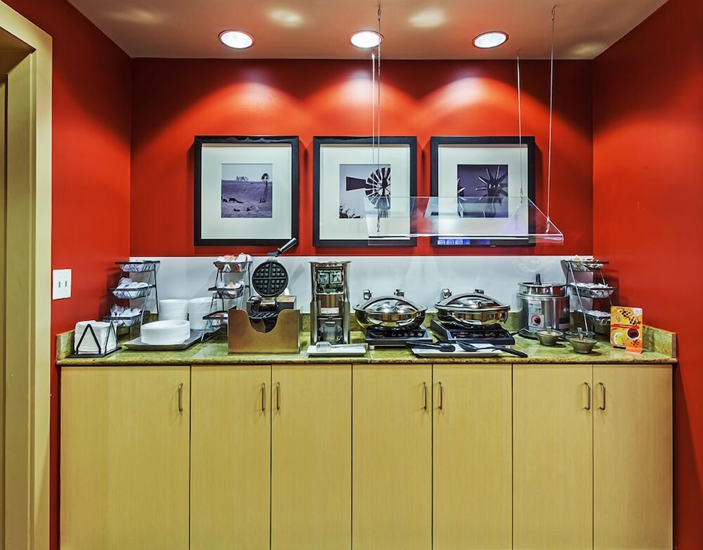 Breakfast buffet, Towneplace Suites by Marriott Broken Arrow