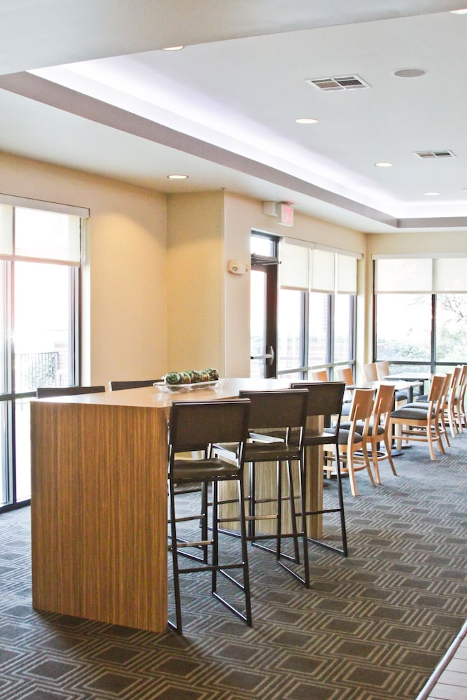 Restaurant, Towneplace Suites by Marriott Broken Arrow