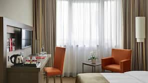 Värdeförvaringsskåp på rummet, skrivbord, ljudisolering och gratis wi-fi