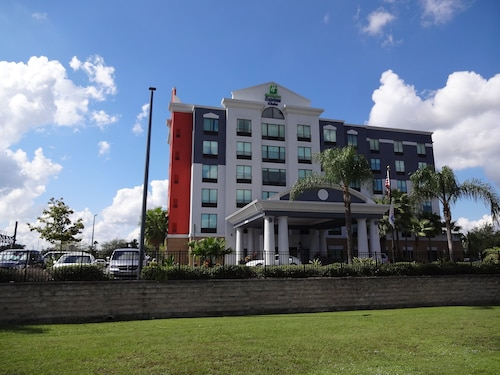 Holiday Inn Express & Suites, International Drive