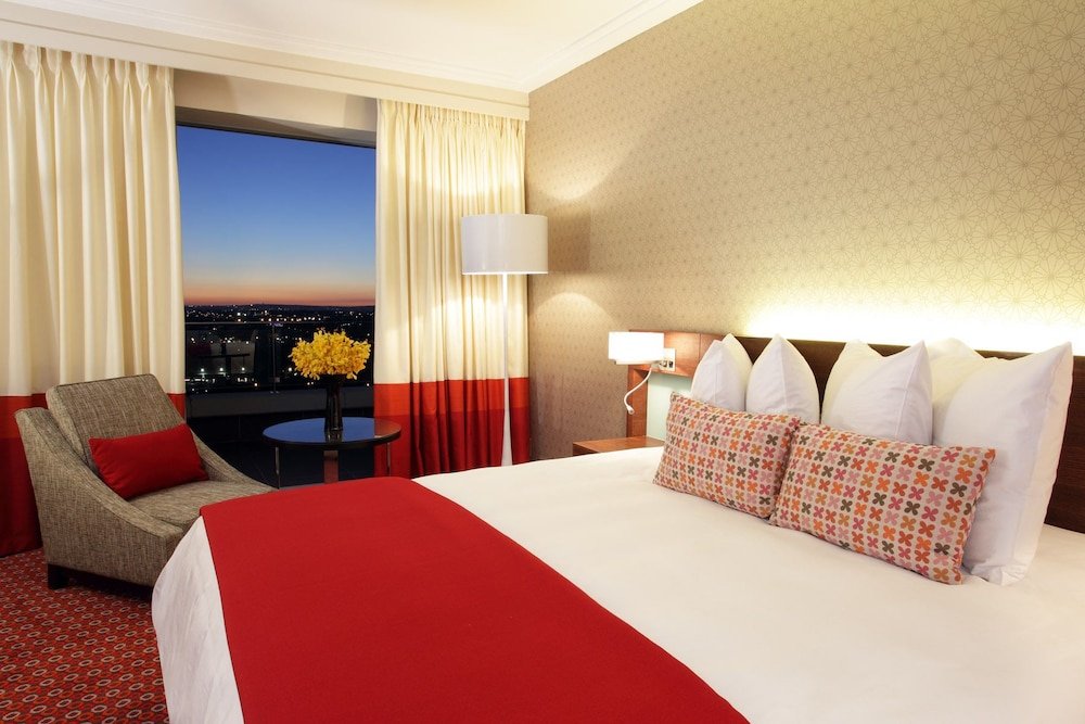 Radisson blu hotel sandton johannesburg deals reviews for Radisson hotel