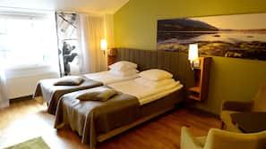 Minibaari, tallelokero huoneessa, silitysrauta/-lauta