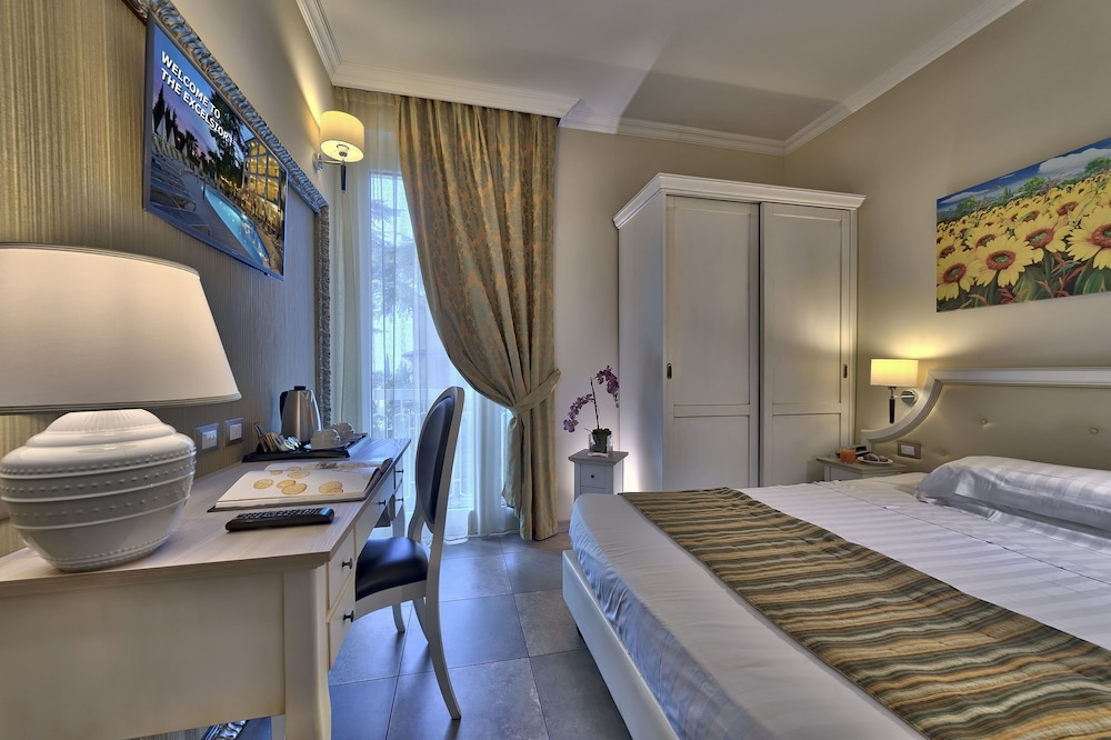 Hotel Excelsior Le Terrazze (Garda, ITA): Great Rates at Expedia.ie