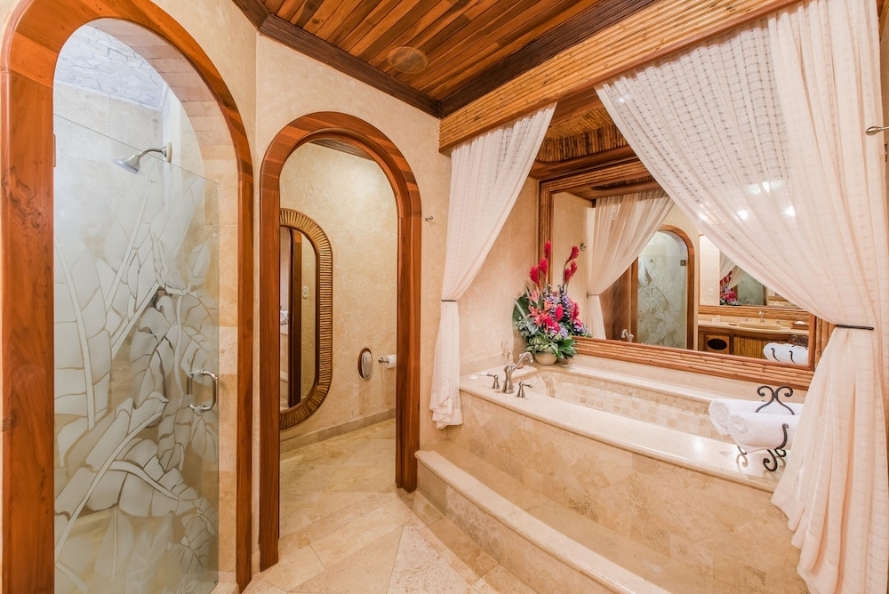 Bathroom, The Springs Resort and Spa at Arenal