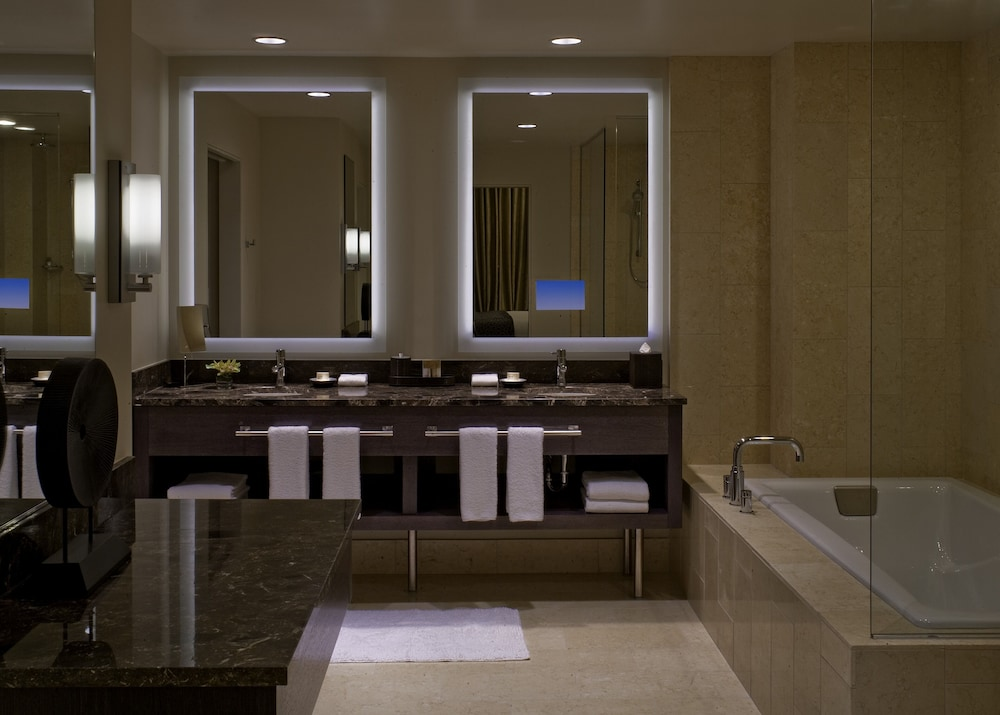Bathroom, Hyatt At Olive 8