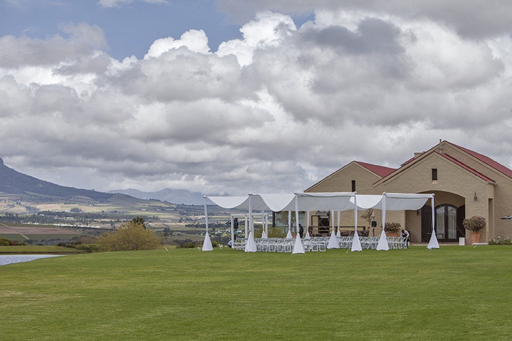 Outdoor Wedding Area, Asara Wine Estate & Hotel