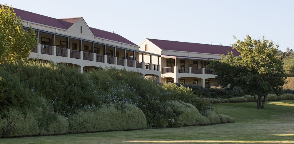 Property Grounds, Asara Wine Estate & Hotel