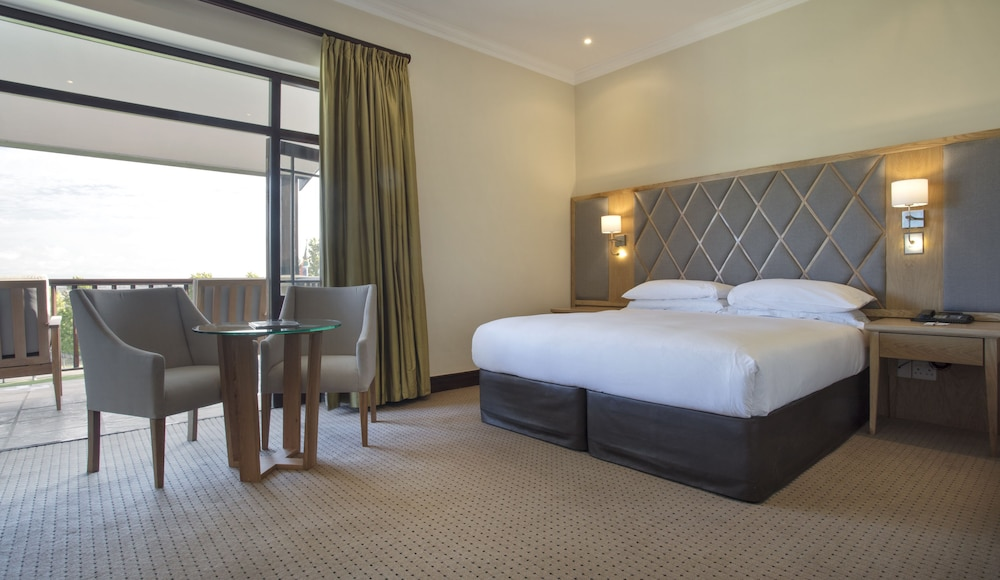 Room, Asara Wine Estate & Hotel