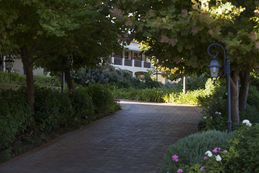 Property Entrance, Asara Wine Estate & Hotel