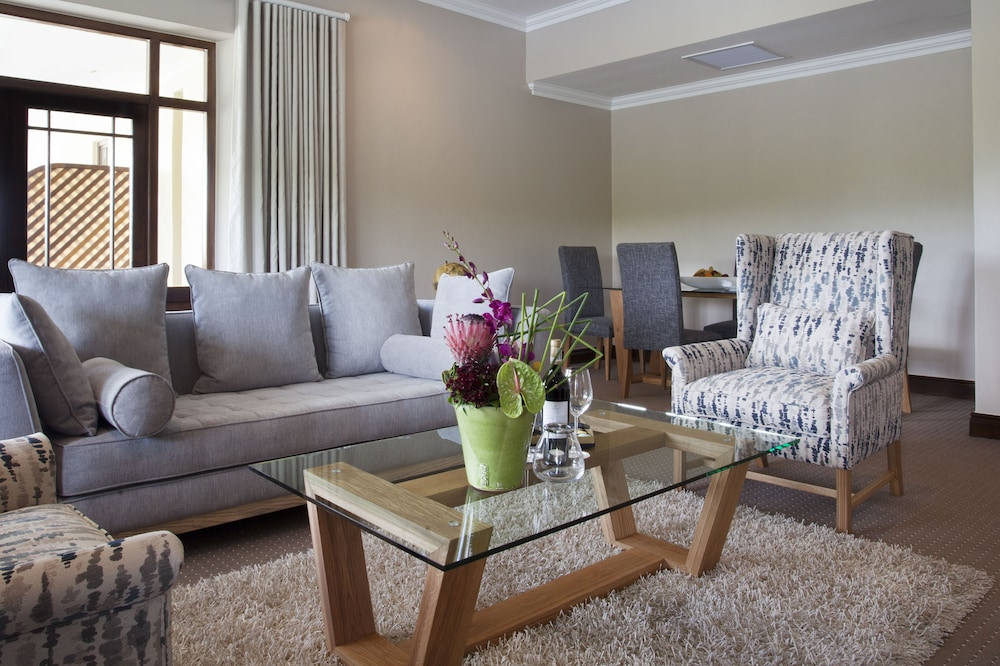 Living Room, Asara Wine Estate & Hotel