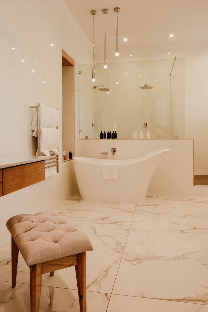 Bathroom, Asara Wine Estate & Hotel