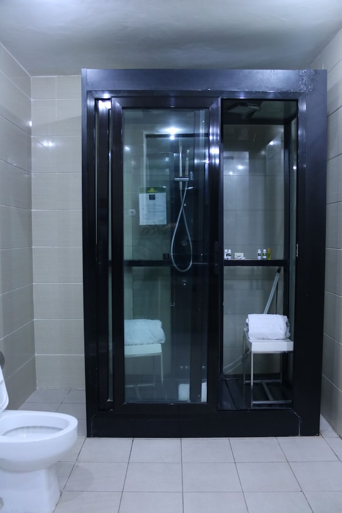 Bathroom, Harmony Hotel