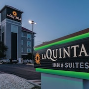 La Quinta Inn & Suites by Wyndham San Antonio Northwest