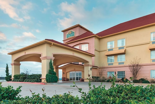 La Quinta Inn & Suites by Wyndham Glen Rose