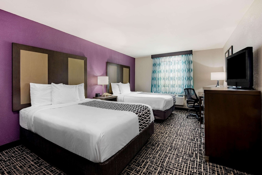 Room, La Quinta Inn by Wyndham West Long Branch