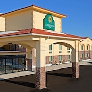 La Quinta Inn & Suites West Long Branch