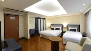 Down comforters, Select Comfort beds, in-room safe