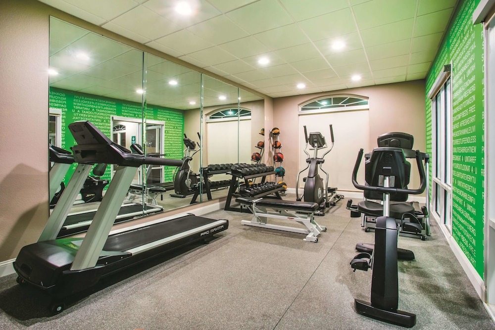 Fitness Facility, La Quinta Inn & Suites by Wyndham Russellville