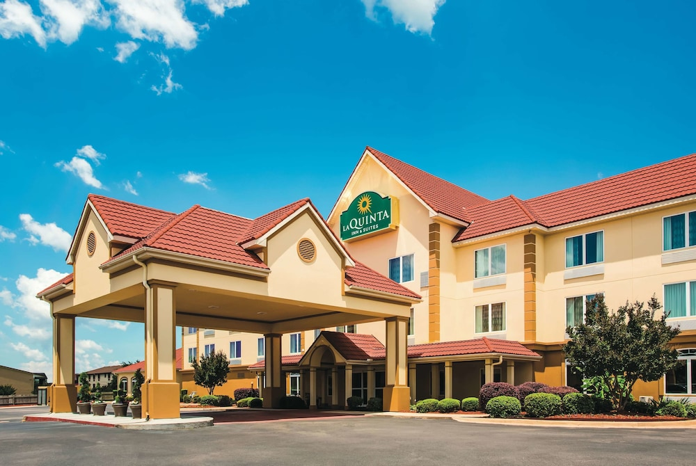 Featured Image, La Quinta Inn & Suites by Wyndham Russellville