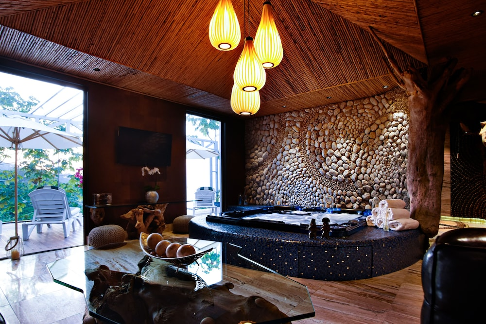 Spa, Makanda by the Sea