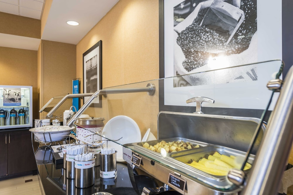 Breakfast Area, Hampton Inn & Suites Jacksonville South - Bartram Park