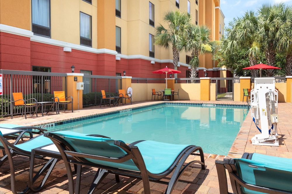 Pool, Hampton Inn & Suites Jacksonville South - Bartram Park