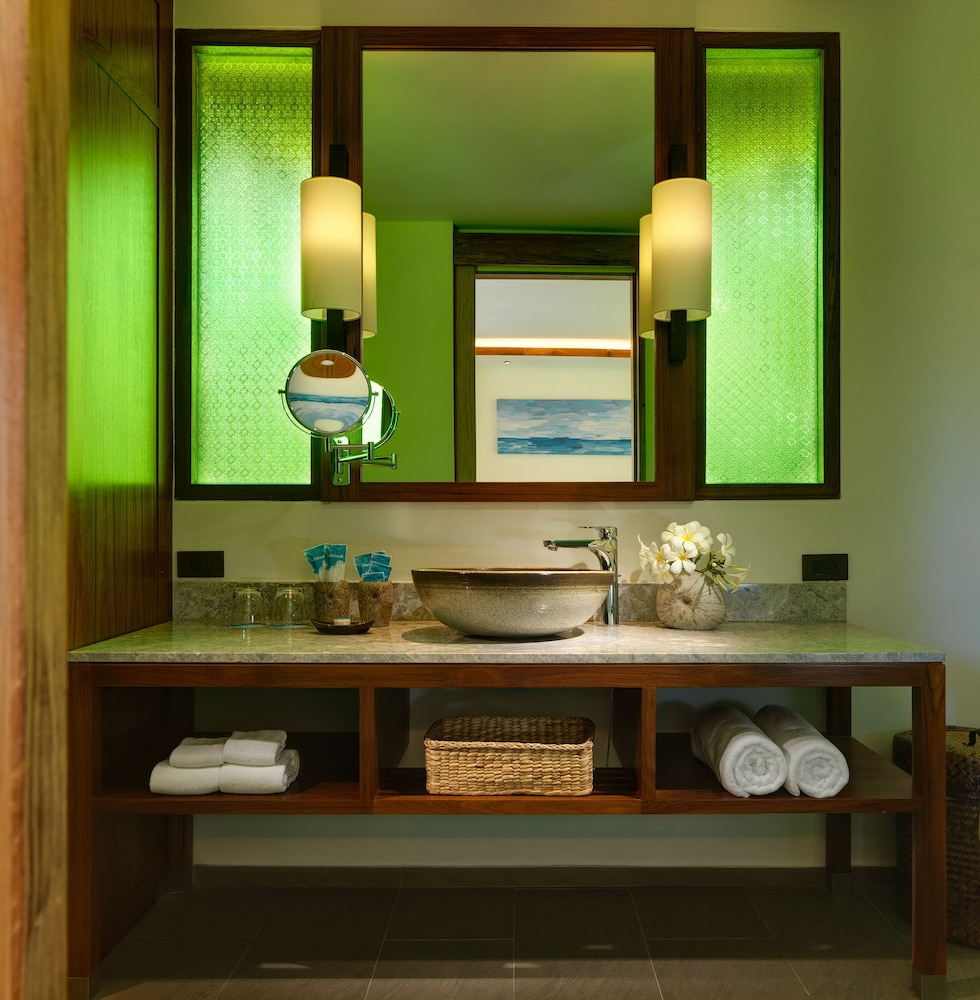 Bathroom, SAii Phi Phi Island Village