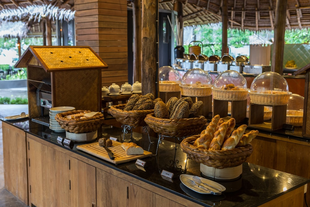 Breakfast buffet, SAii Phi Phi Island Village