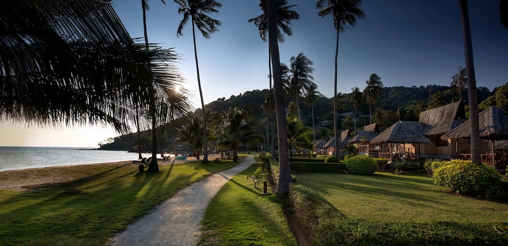 Property Grounds, SAii Phi Phi Island Village