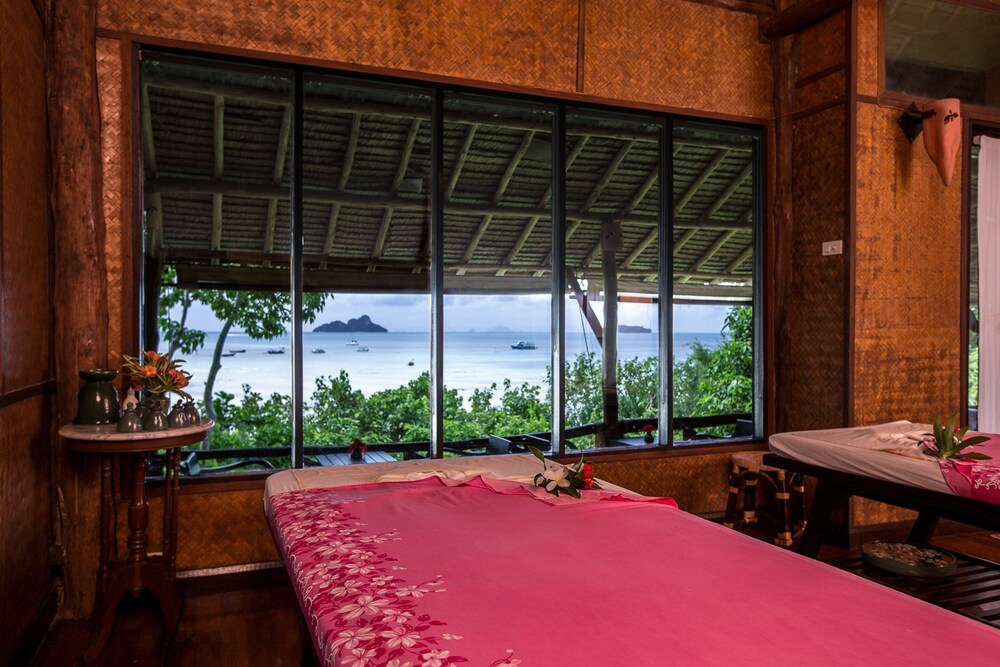Treatment Room, SAii Phi Phi Island Village