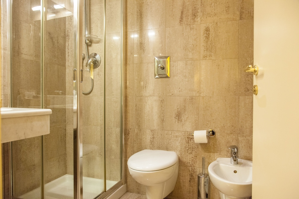 Bathroom, Benivieni Hotel