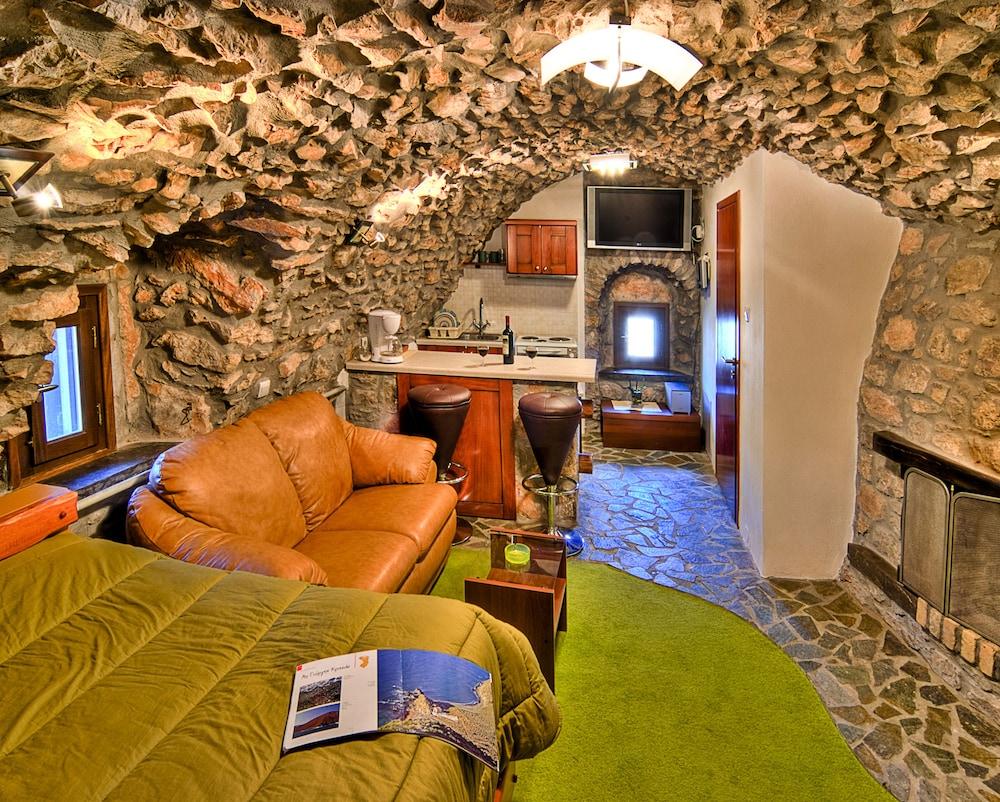 Avgonima All Seasons Hotel in Chios   Hotel Rates & Reviews on Orbitz