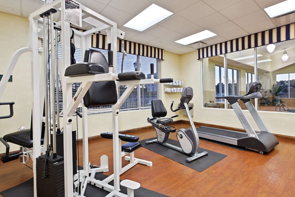 Fitness Facility, Country Inn & Suites by Radisson, Wilson, NC